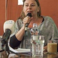 Na obrázku je Adriana Mesochoritisová, ktorá sa vyjadruje na TS ku kampani Odzvoňme násiliu na ženách podporme Istanbulský dohovor. Fotografia © Jakub Hauskrecht