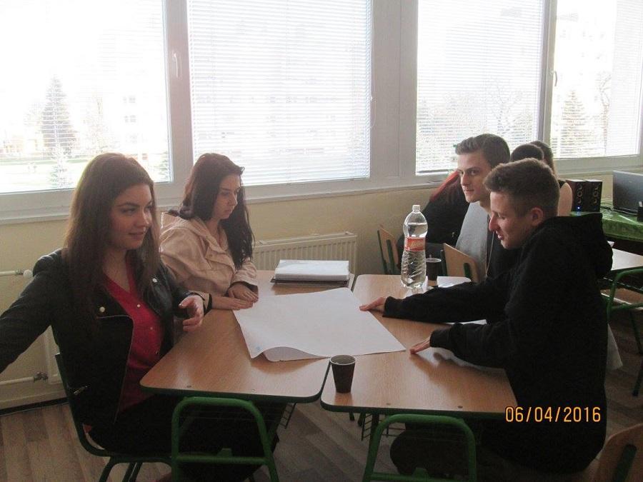 Trixi Čelková, prvá slovenská špiónka, zaujíma študentov a študentky zo Súkromného gymnázia v Prešove
