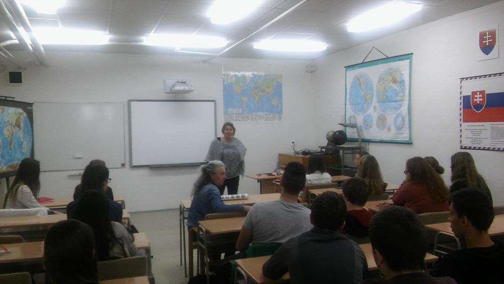 Takto to vyzeralo v Čadci. V poslednom meste, v ktorom sme sa zastavili a kde sme so študentmi a študentkami z Gymnázia J. M. Hurbana diskutovali o ženách v histórii.